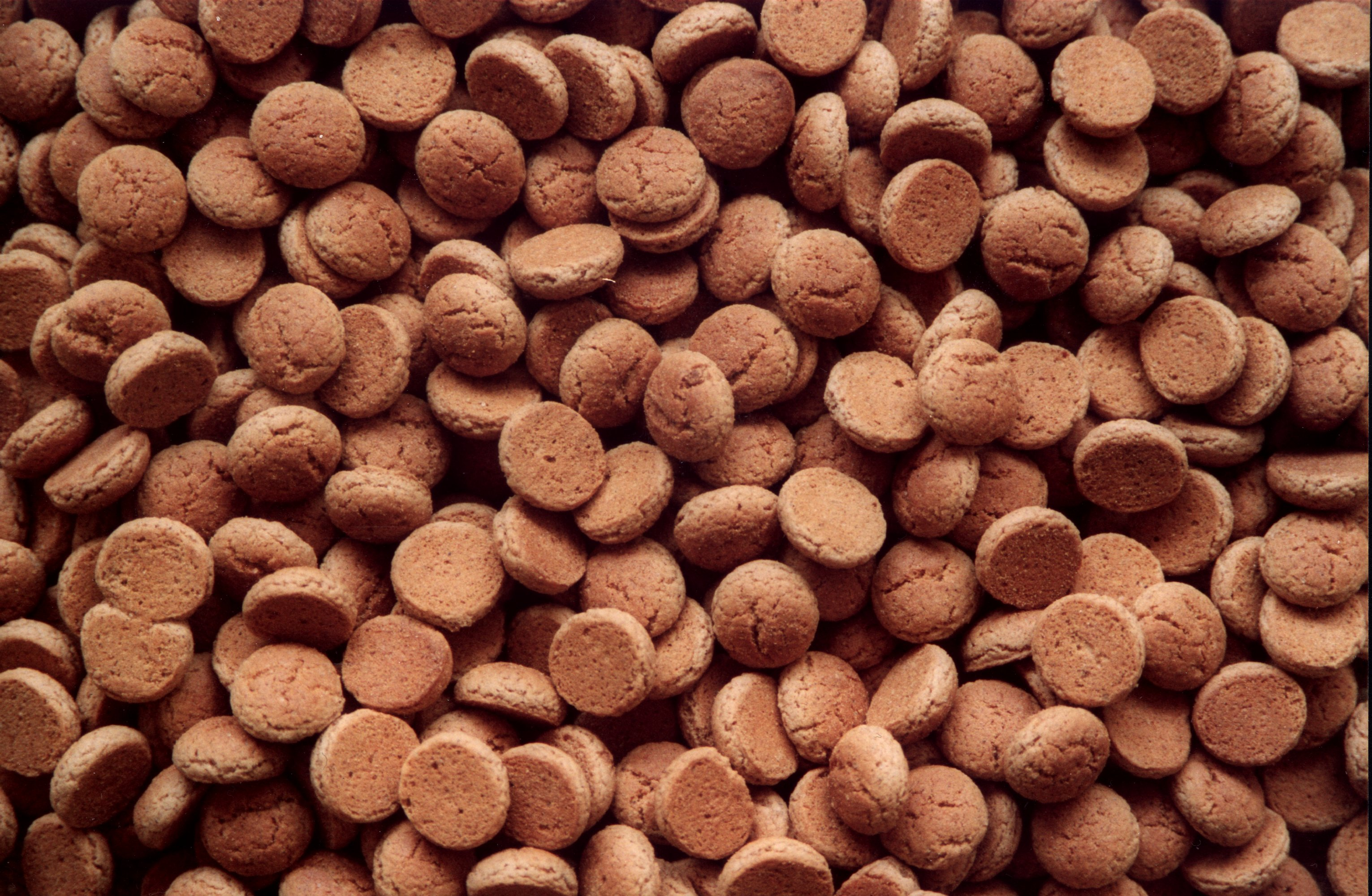 Wat is beter voor je lijn: pepernoten of kruidnootjes?